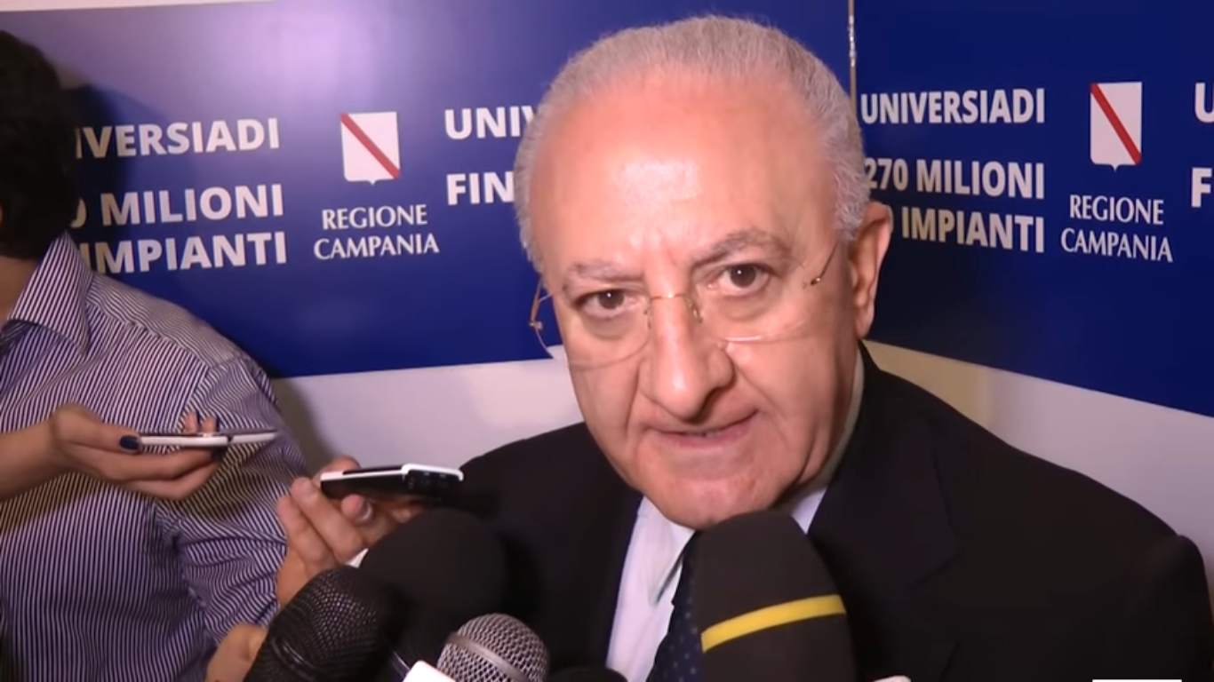 Vincenzo De Luca, conferenza stampa presentazione Universiadi 2019